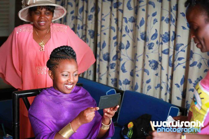 weeding in the city nairobi streets by waruisapix (3 of 37)