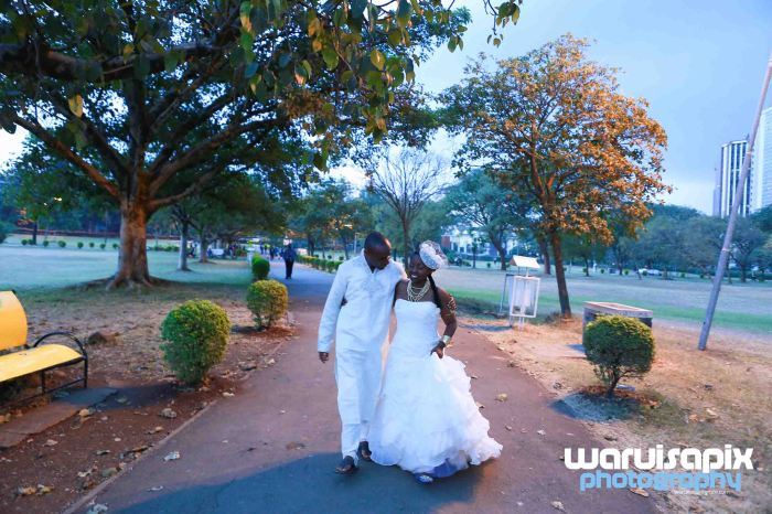 weeding in the city nairobi streets by waruisapix (31 of 37)