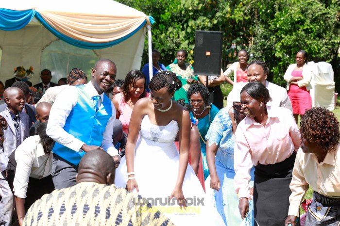 creative kenyan wedding photographer-60