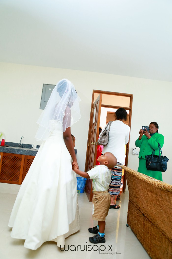 kenyas top wedding photographer creative beach weding photos at the coast mombasa by waruisapix-15
