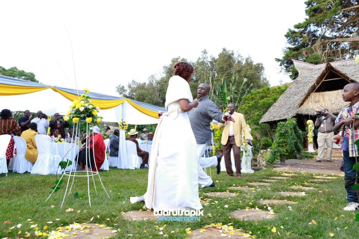 Tea Farm kenyan wedding by waruisapix-75