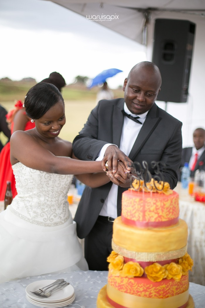 waruisapix wedding shoot in the rain sunset and rainbow kenyan wedding photographer-86