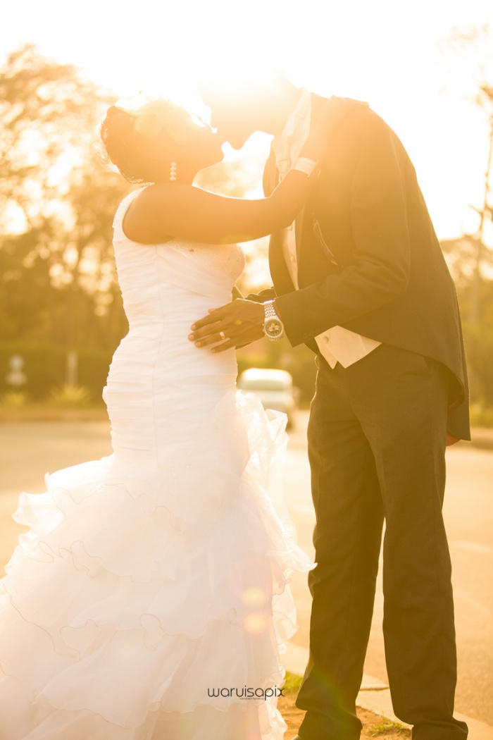 WARUISAPIX WEDDING SHOOT CREATIVE STREET SHOOT-110