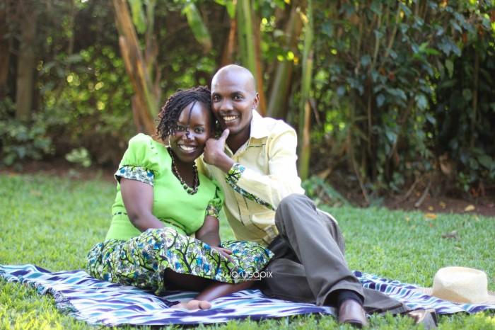 top kenyan wedding photographer waruisapix extreme fun unposed sponteneous photos of bridal party in african wear -100
