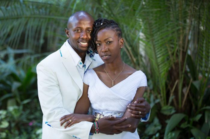 top kenyan wedding photographer waruisapix extreme fun unposed sponteneous photos of bridal party in african wear -104