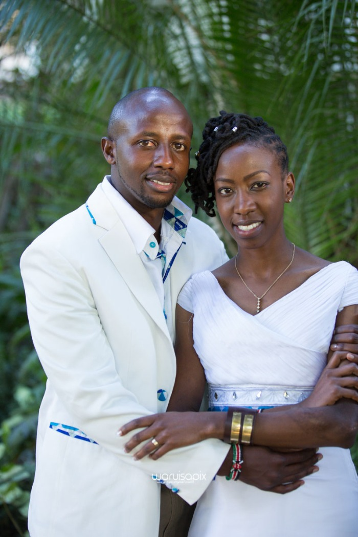 top kenyan wedding photographer waruisapix extreme fun unposed sponteneous photos of bridal party in african wear -105