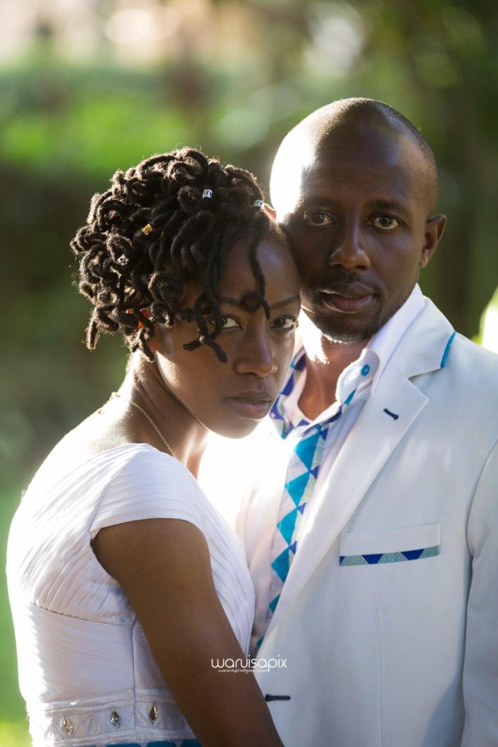 top kenyan wedding photographer waruisapix extreme fun unposed sponteneous photos of bridal party in african wear -107
