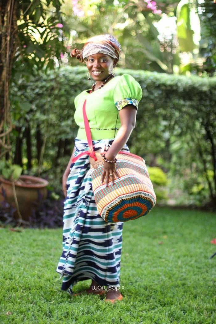top kenyan wedding photographer waruisapix extreme fun unposed sponteneous photos of bridal party in african wear -108