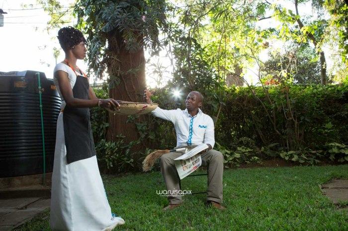 top kenyan wedding photographer waruisapix extreme fun unposed sponteneous photos of bridal party in african wear -115