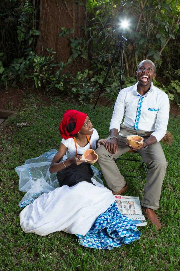 top kenyan wedding photographer waruisapix extreme fun unposed sponteneous photos of bridal party in african wear -120