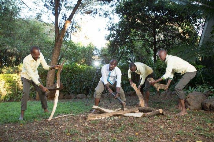 top kenyan wedding photographer waruisapix extreme fun unposed sponteneous photos of bridal party in african wear -125