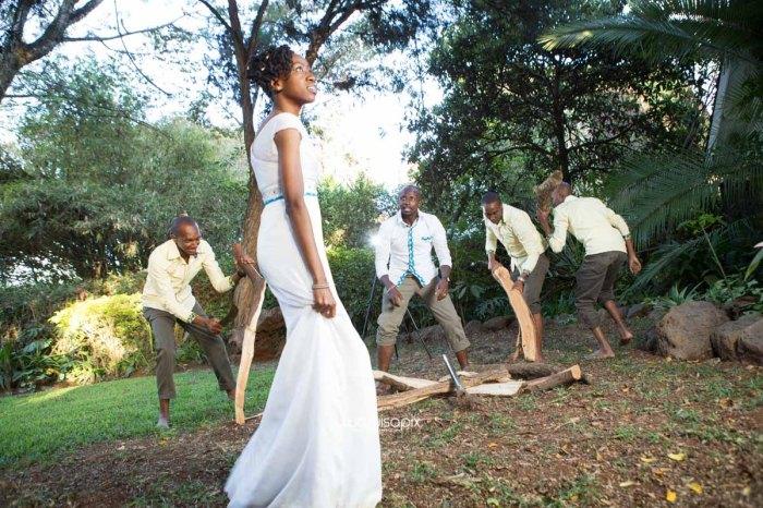 top kenyan wedding photographer waruisapix extreme fun unposed sponteneous photos of bridal party in african wear -126