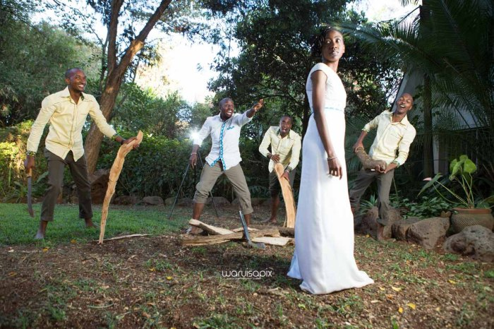 top kenyan wedding photographer waruisapix extreme fun unposed sponteneous photos of bridal party in african wear -128