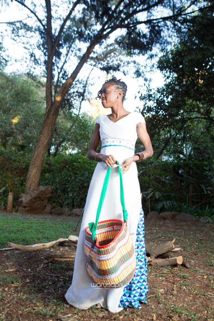 top kenyan wedding photographer waruisapix extreme fun unposed sponteneous photos of bridal party in african wear -134