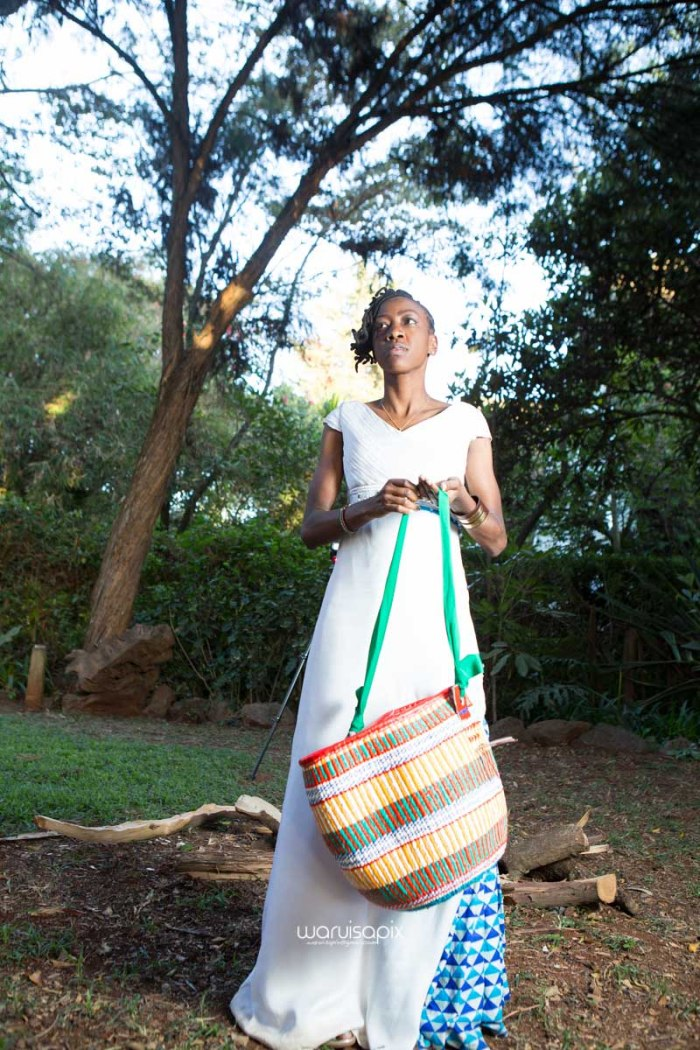 top kenyan wedding photographer waruisapix extreme fun unposed sponteneous photos of bridal party in african wear -135