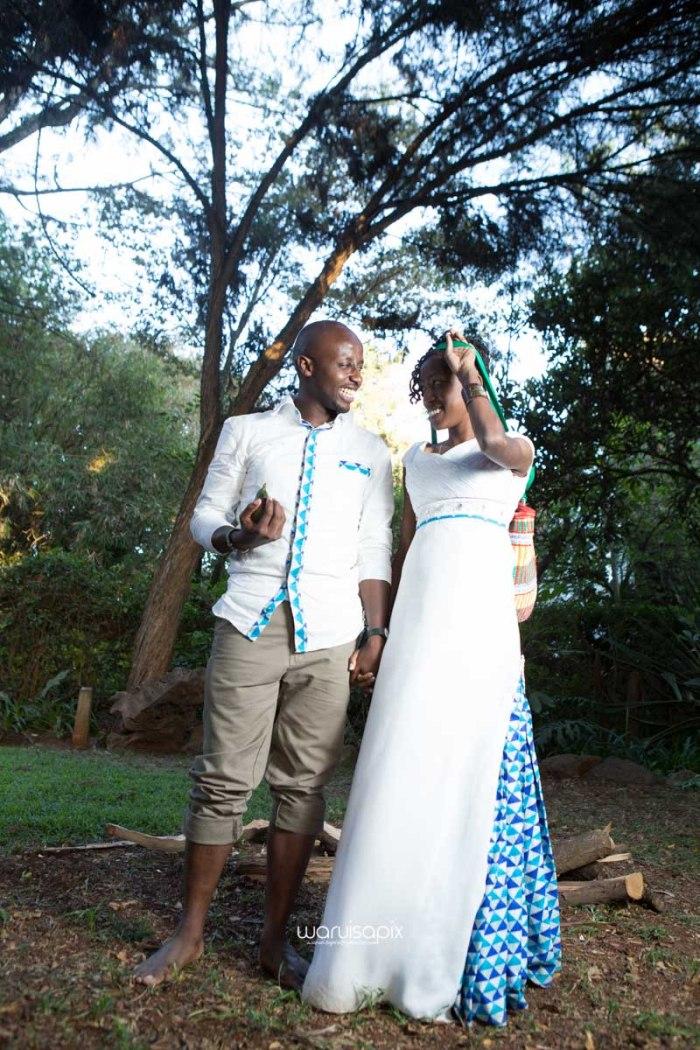 top kenyan wedding photographer waruisapix extreme fun unposed sponteneous photos of bridal party in african wear -142