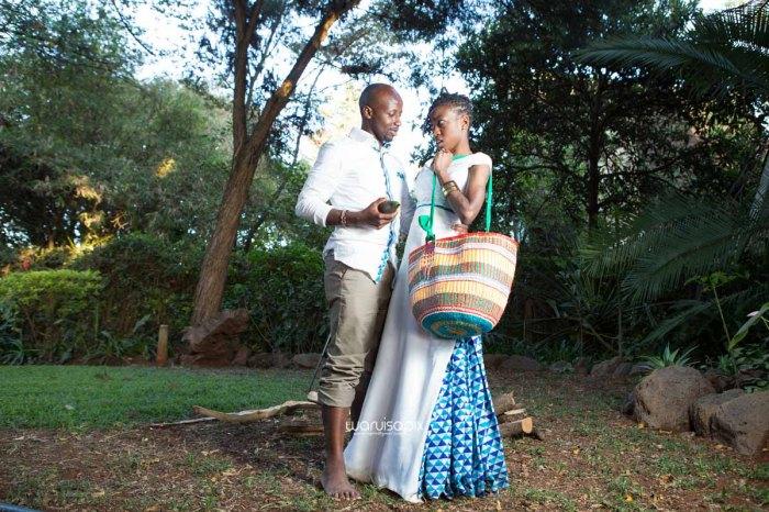 top kenyan wedding photographer waruisapix extreme fun unposed sponteneous photos of bridal party in african wear -144