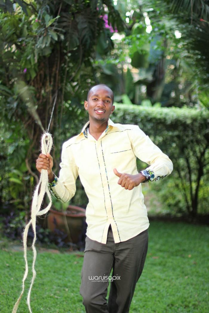 top kenyan wedding photographer waruisapix extreme fun unposed sponteneous photos of bridal party in african wear -148