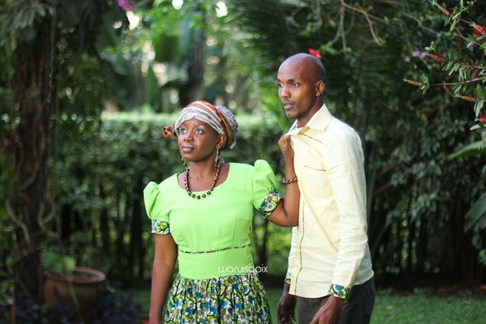 top kenyan wedding photographer waruisapix extreme fun unposed sponteneous photos of bridal party in african wear -149