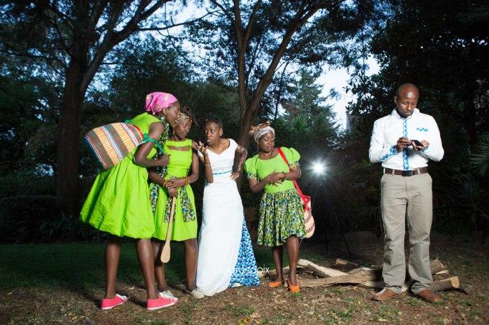 top kenyan wedding photographer waruisapix extreme fun unposed sponteneous photos of bridal party in african wear -163
