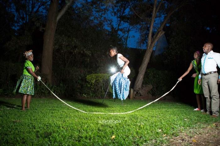 top kenyan wedding photographer waruisapix extreme fun unposed sponteneous photos of bridal party in african wear -174