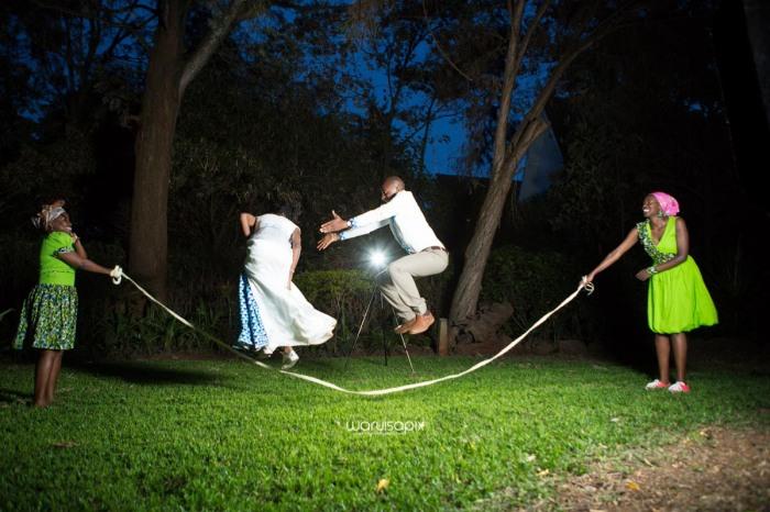 top kenyan wedding photographer waruisapix extreme fun unposed sponteneous photos of bridal party in african wear -176