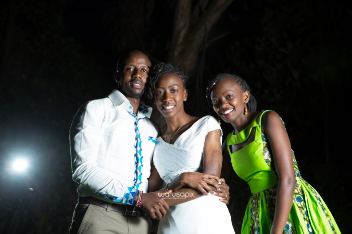 top kenyan wedding photographer waruisapix extreme fun unposed sponteneous photos of bridal party in african wear -177