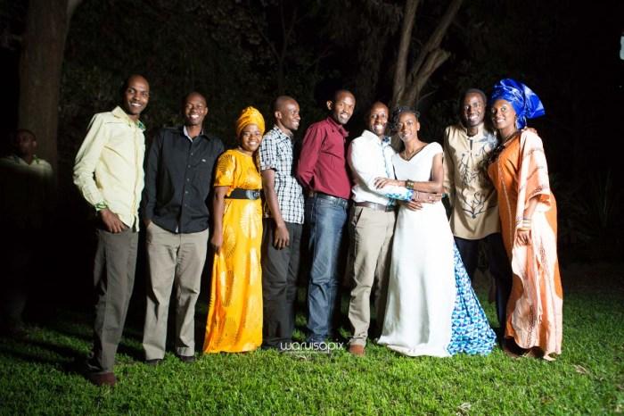 top kenyan wedding photographer waruisapix extreme fun unposed sponteneous photos of bridal party in african wear -179