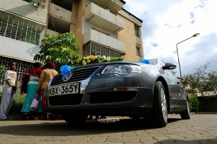 top kenyan wedding photographer waruisapix extreme fun unposed sponteneous photos of bridal party in african wear -20