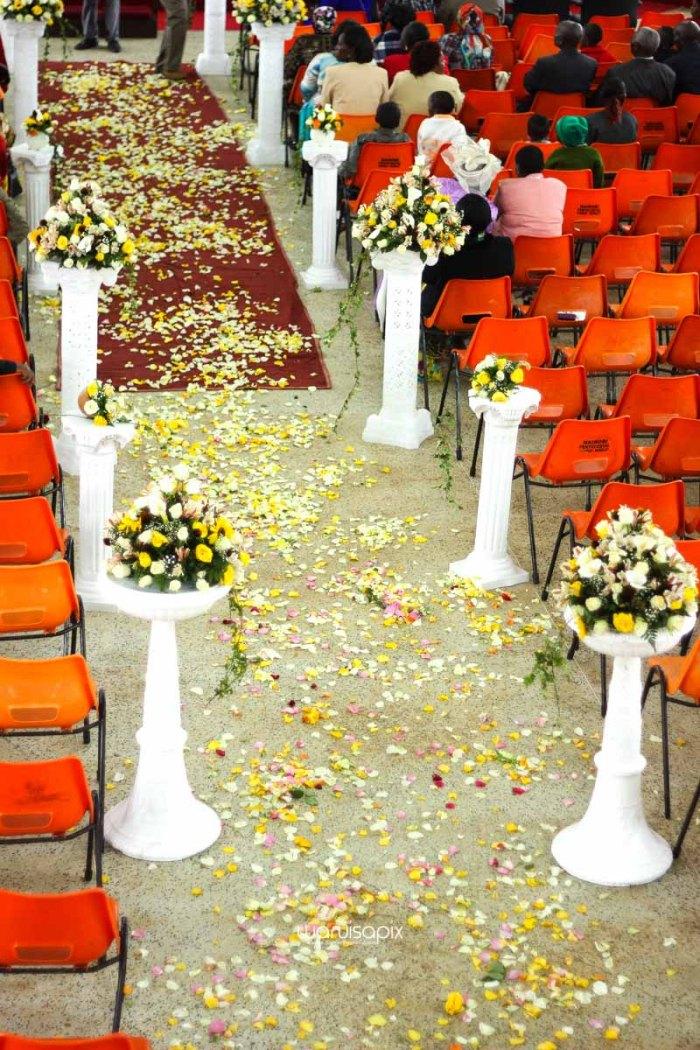 top kenyan wedding photographer waruisapix extreme fun unposed sponteneous photos of bridal party in african wear -22