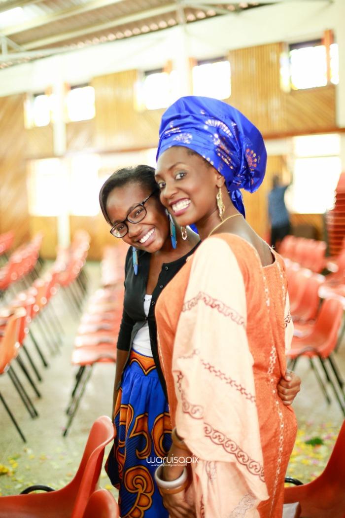 top kenyan wedding photographer waruisapix extreme fun unposed sponteneous photos of bridal party in african wear -43