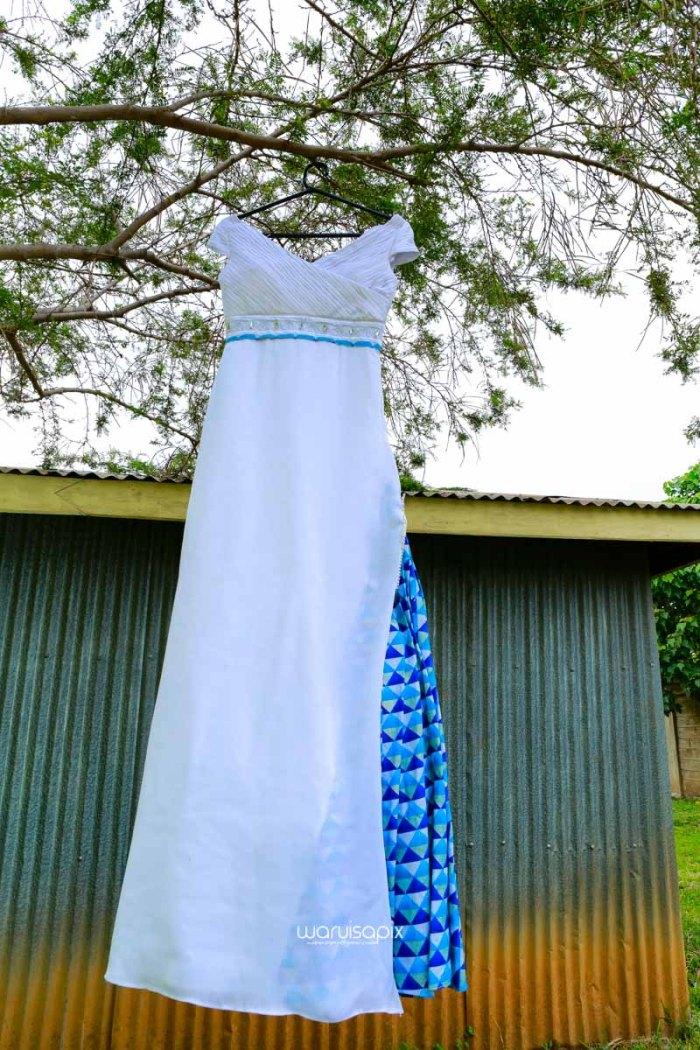 top kenyan wedding photographer waruisapix extreme fun unposed sponteneous photos of bridal party in african wear -7