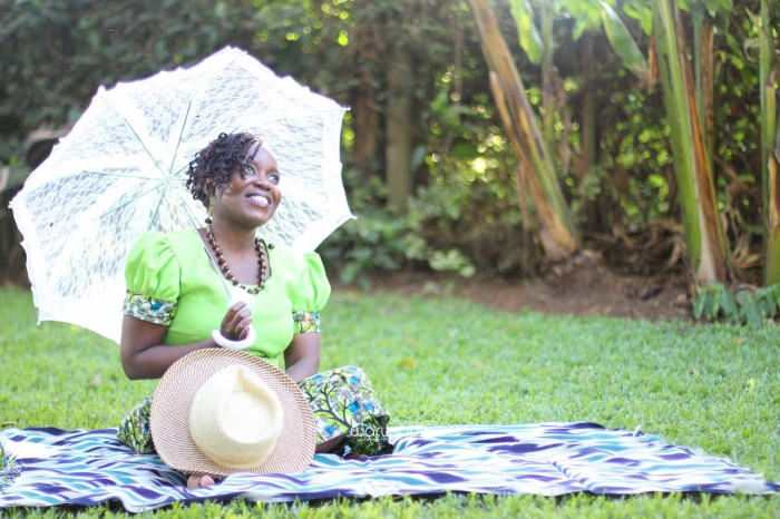 top kenyan wedding photographer waruisapix extreme fun unposed sponteneous photos of bridal party in african wear -99