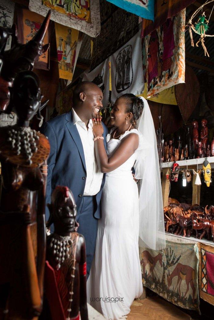 top kenyan wedding photographer waruisapix in karen at a curio shop-100