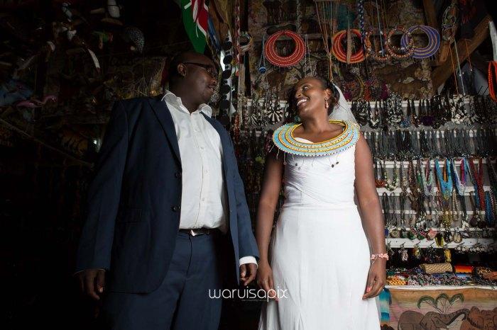top kenyan wedding photographer waruisapix in karen at a curio shop-101