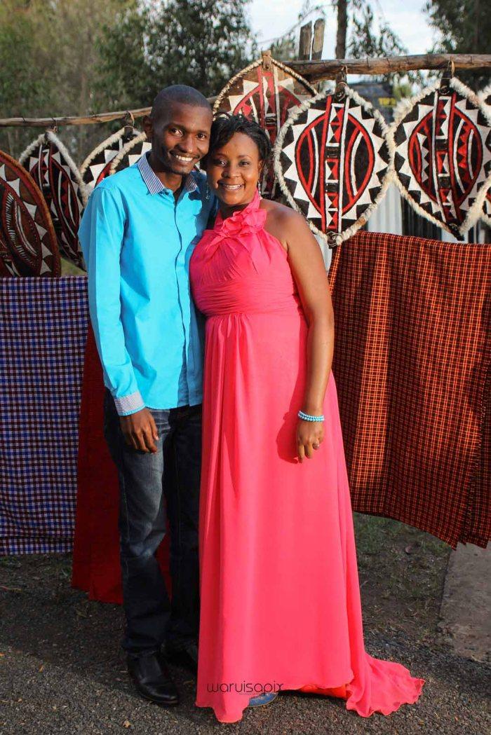 top kenyan wedding photographer waruisapix in karen at a curio shop-104
