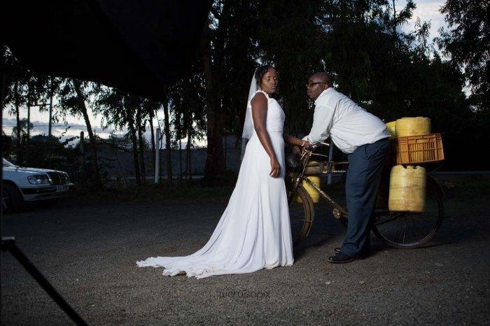 top kenyan wedding photographer waruisapix in karen at a curio shop-105