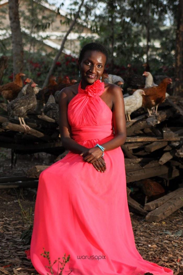 top kenyan wedding photographer waruisapix in karen at a curio shop-107