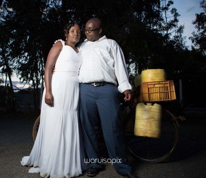 top kenyan wedding photographer waruisapix in karen at a curio shop-108