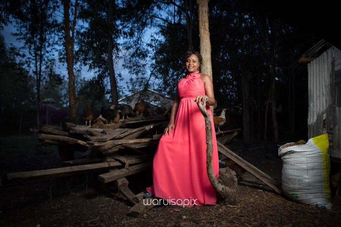 top kenyan wedding photographer waruisapix in karen at a curio shop-113
