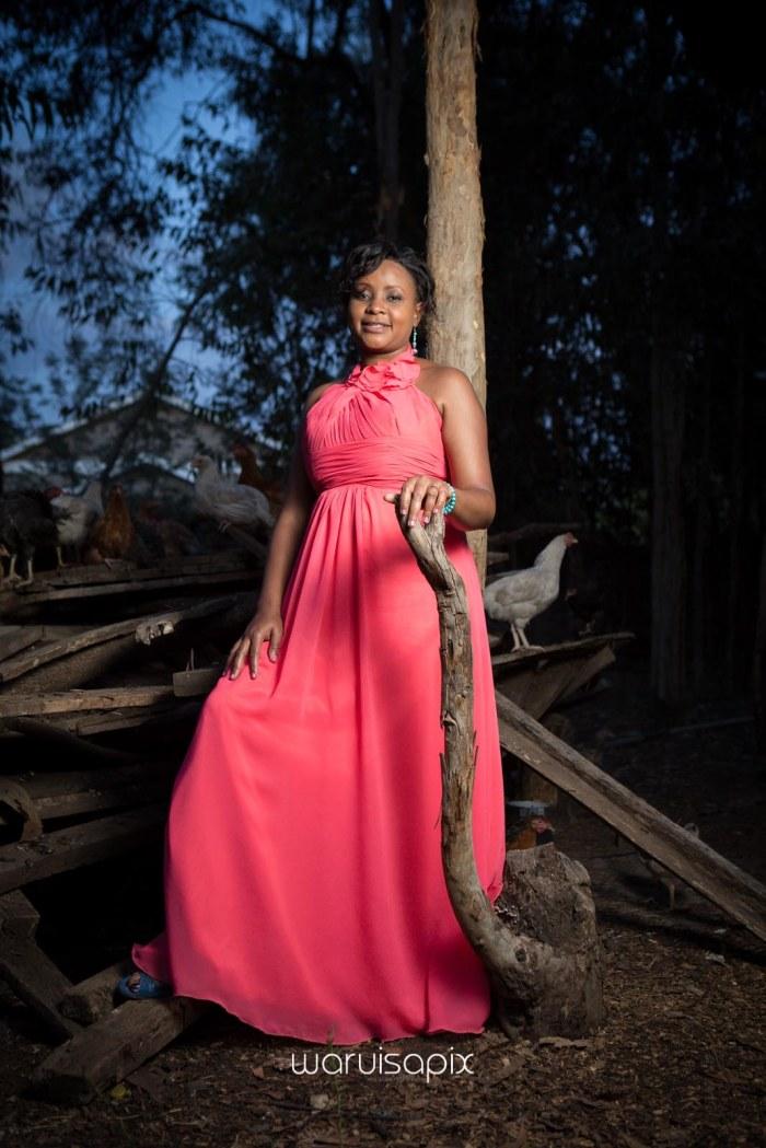 top kenyan wedding photographer waruisapix in karen at a curio shop-115