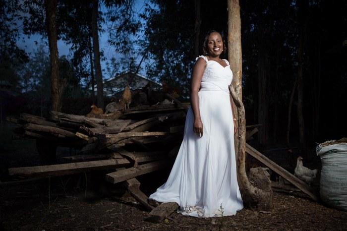 top kenyan wedding photographer waruisapix in karen at a curio shop-119
