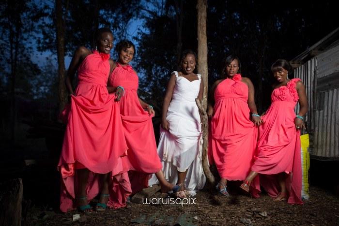 top kenyan wedding photographer waruisapix in karen at a curio shop-124