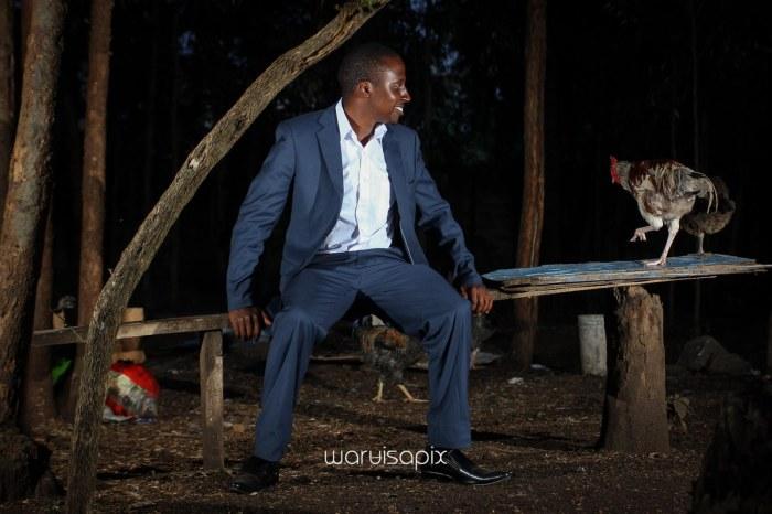 top kenyan wedding photographer waruisapix in karen at a curio shop-125
