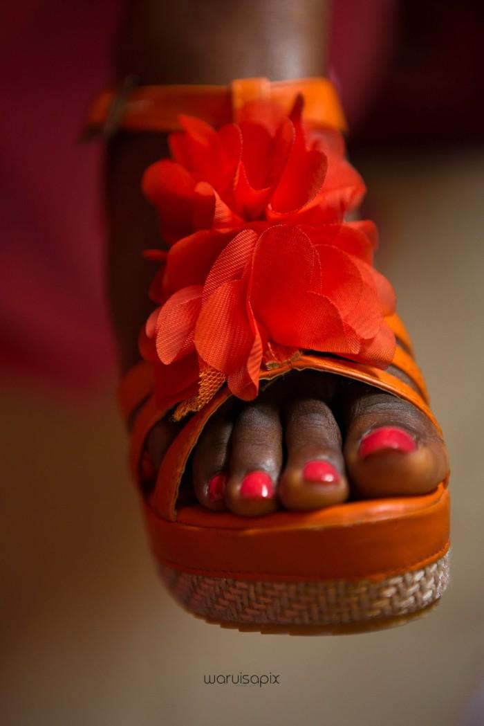 top kenyan wedding photographer waruisapix in karen at a curio shop-13