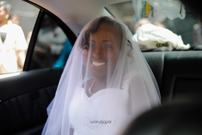 top kenyan wedding photographer waruisapix in karen at a curio shop-18