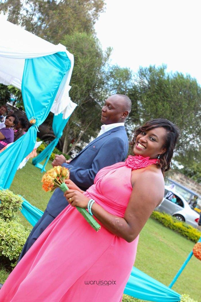 top kenyan wedding photographer waruisapix in karen at a curio shop-23