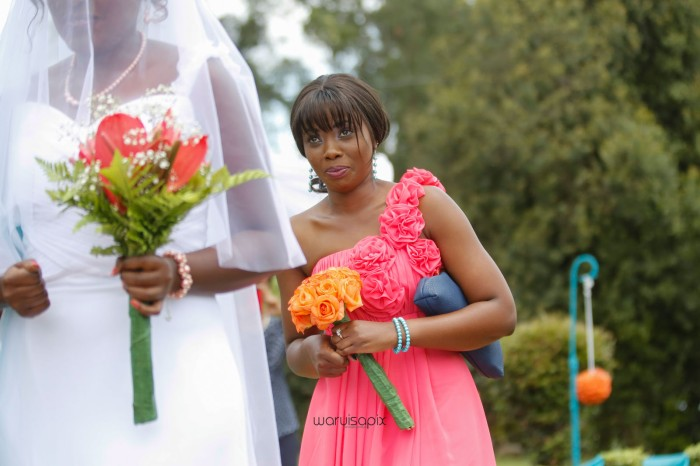 top kenyan wedding photographer waruisapix in karen at a curio shop-27