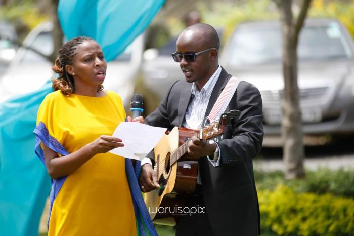 top kenyan wedding photographer waruisapix in karen at a curio shop-30