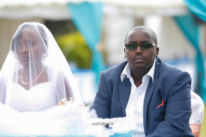 top kenyan wedding photographer waruisapix in karen at a curio shop-34